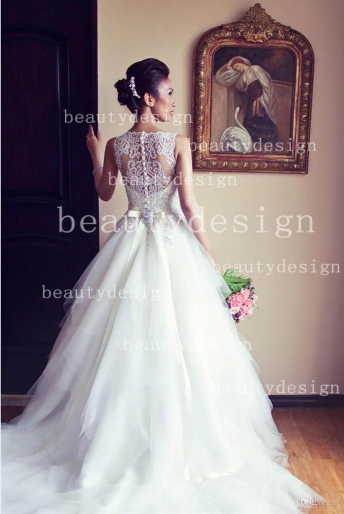 2014-beautydesign-white-tulles-lace-bateau