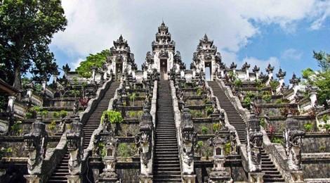 Travellingbali-temples-Lempuyang-temple-470x260