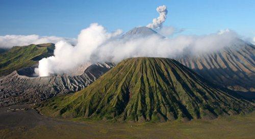 Volcano_Bali_980_535_84_s